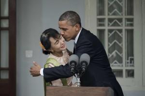 TOPSHOTS-MYANMAR-US-POLITICS-OBAMA-SUU KYI